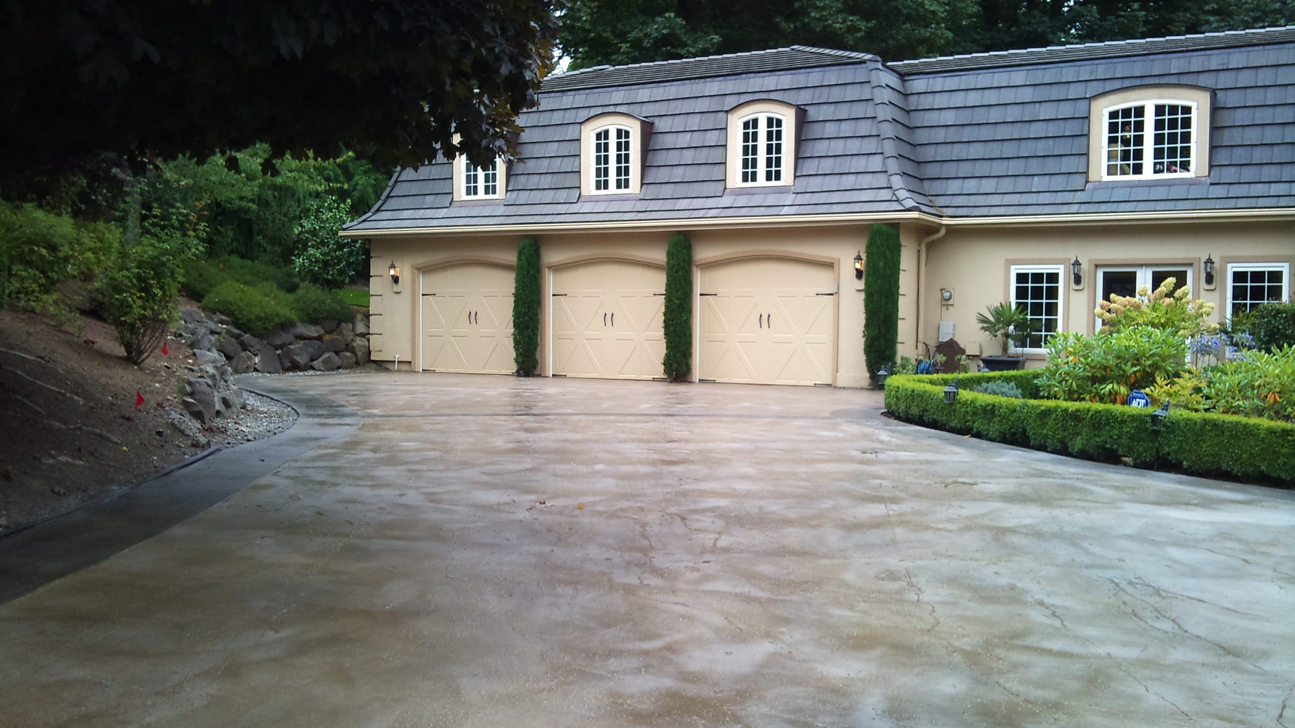 concrete driveway resurfacing and restoration